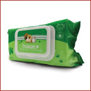 Pet wipes for dogs and cats can be used on hamster and other small animals